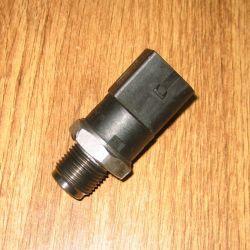 Senzor presiune combustibil VW Audi și Mercedes, 0281002504 / A0041536728 / 059130758 / 0041536728 / 0281002691